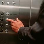 Hướng dẫn cách sử dụng thang máy