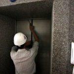 Sử dụng thang máy không lo bị kẹp cửa
